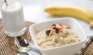 5 gợi ý bữa sáng giảm cân với yến mạch có thể chuẩn bị từ tối hôm trước