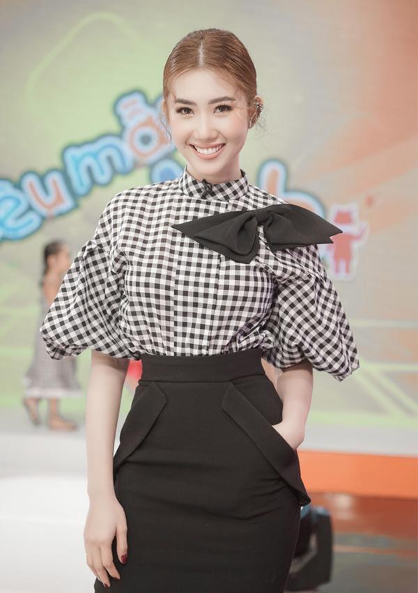 Thúy Ngân có kinh nghiệm 7 năm làm người mẫu trên sàn diễn TP HCM nên được mời tham gia chấm thi Siêu mẫu nhí 2018.
