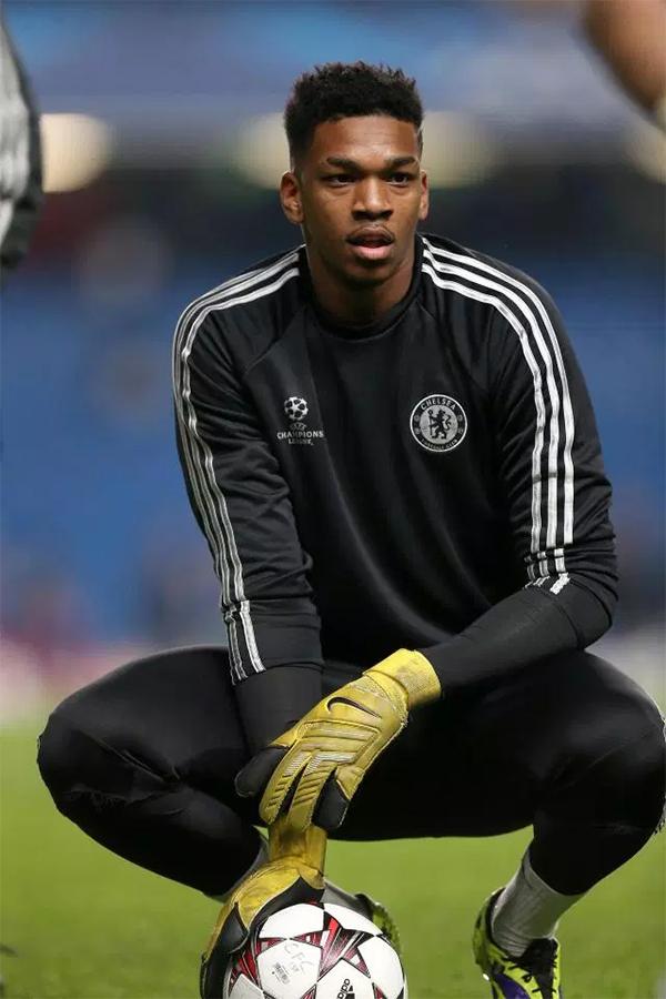 Jamal Blackman sinh năm 1993, hiện thi đấu cho CLB Leeds United dưới dạng cho mượn từ Chelsea. Anh được đôn lên đội một Chelsea từ năm 2012 nhưng chưa được ra sân một trận nào. Suốt từ đó tới nay,thủ thành này liên tục bị đem cho các CLB hạng dưới mượn.
