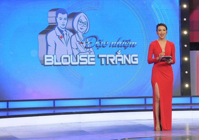 Ngọc Diễm tiếp tục đảm nhận vị trí host của Đặc nhiệm blouse trắng mùa ba.