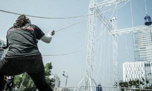 Thử thách bản thân với đường trượt zipline mạo hiểm tại 'Red Bull Dream Arena'