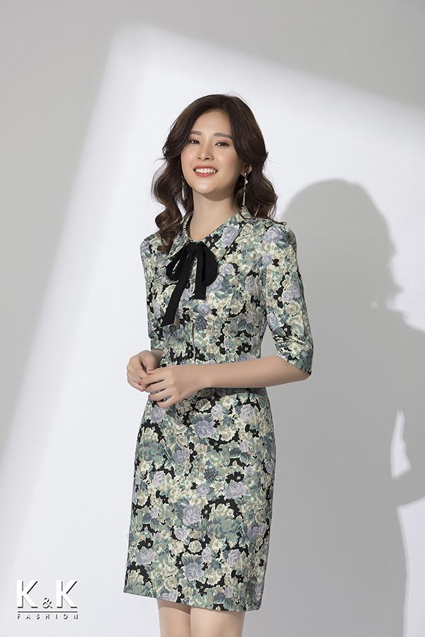 Đầm họa tiết hoa tay lửng cổ thắt nơ xinh xắn KK79-05; Giá: 440.000 VNĐ