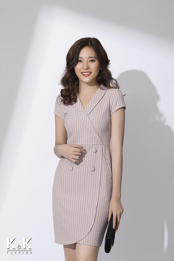 Váy quấn (wrap dress) họa tiết kẻ thanh lịch KK78-03; Giá: 430.000 VNĐ