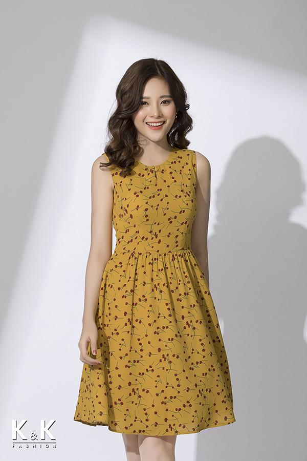 Đầm xòe sát nách họa tiết nổi bật KK79-28 giá 400.000 đồng.