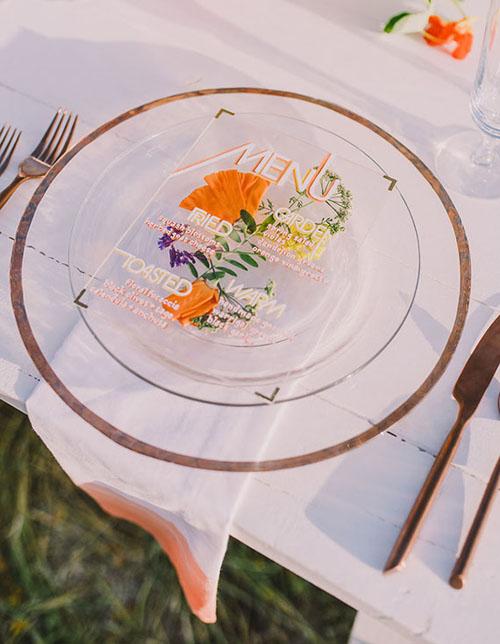 Chúng khiến cho bàn tiệc thêm bắt mắt và tạo thành điểm nhấn thú vị trong lễ cưới.