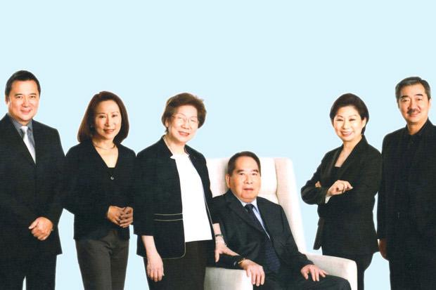 Ông Henry Sy hết hôn với vợ là người gốc Hoa và có 6 người con (4 trai, 2 gái). Ảnh: SM.
