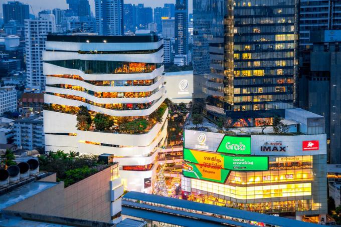 Trung tâm thương mại có thác nước và rừng nhiệt đới ở Bangkok - 2