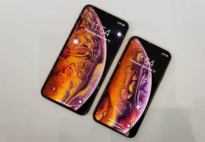 HOT: iPhone Xs và Xs Max đặt trước, đang cháy hàng