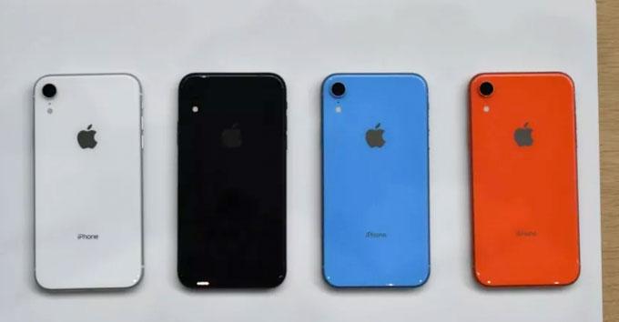 iPhone XR có nhiều màu sắc lựa chọn. Ảnh: The Verge.