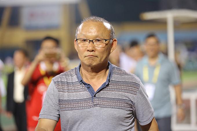 HLV Park Hang-seo tớisân Hàng Đẫy để theo dõi trận đấu giữa Hà Nội và HAGL ở Cup quốc gia hồi tháng 5. Ảnh: Đương Phạm.
