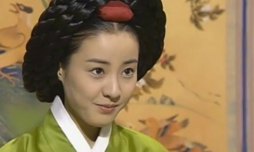 Mỹ nhân 'Nàng Dae Jang Geum' ly dị chồng sau 10 năm chung sống