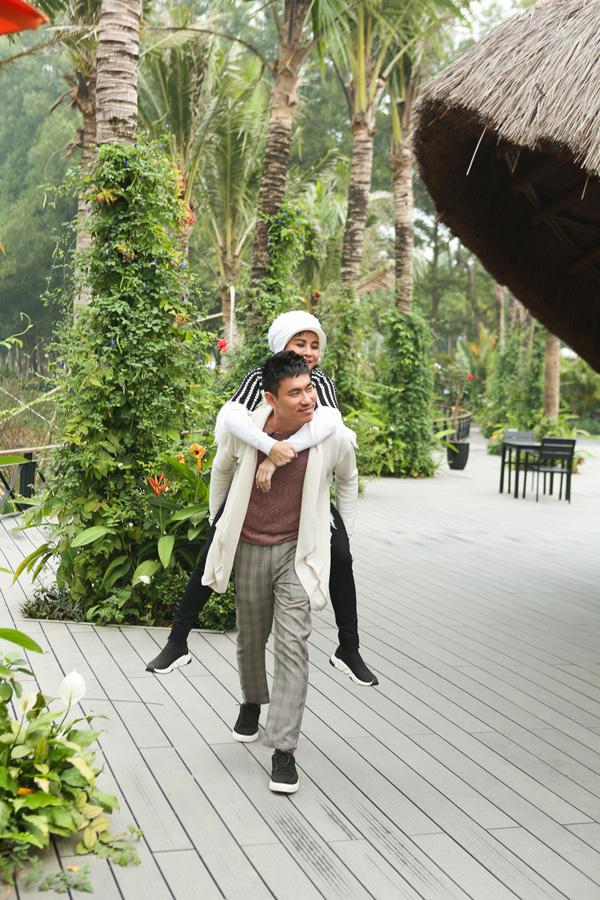 Đôi vợ chồng mới kỷ niệm 10 năm bên nhau bằng chuyến du lịch lãng mạn ở Vĩnh Phúc hồi tháng 4 năm nay.