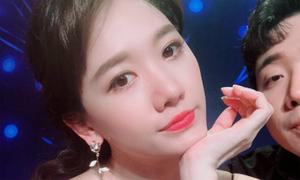 Ảnh hot 15/9: Hari Won selfie kệ Trấn Thành 'bon chen'