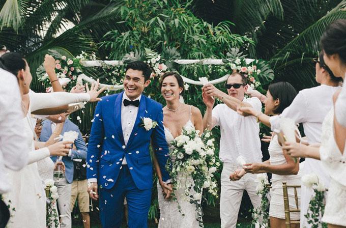 Đám cưới lãng mạn của Henry Golding và cựu người mẫu Liv Lo tổ chức trên bãi biển Thái Lan vào tháng 8/2016. Ảnh: SCMP