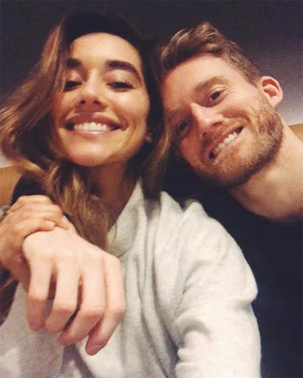 Schurrle không có tên trong đội hình tuyển Đức dự World Cup 2018, chính vì thế anh có nhiều thời gian để ở bên Anna Sharypova, cùng cô đi du lịch khắp thế giới.