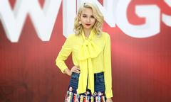 Phí Phương Anh mặc lòe loẹt đi casting tài năng thiết kế thời trang