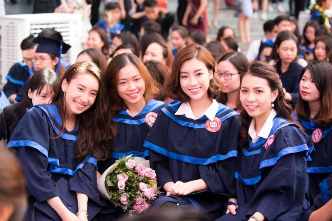Đỗ Mỹ Linh tốt nghiệp Đại học trước khi trao lại vương miện - 3