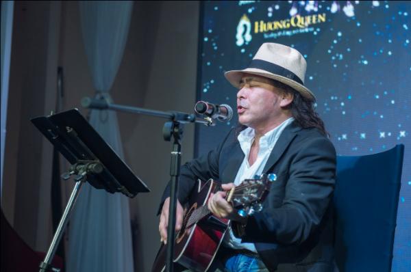Nghệ sĩ guitar hàng đầu Nhật Bản: Shu Kunihiro biểu diễn đầy ngẫu hứng