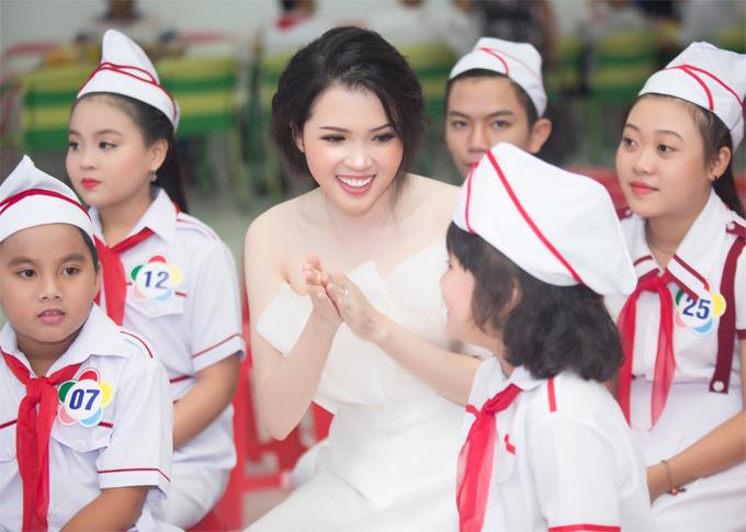 Các chương trình thiện nguyện tạo thêm động lực để Thúy Vi đến với cuộc thi Miss Asia Pacific International 2018.
