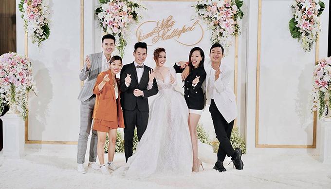 Ngày 15/9/2018, Kim Nhã BB&BG đã làm lễ cưới với Nattapol Phongsupasamit (tên thân mật Nat Chan) ở Thái. Trước đó 1-2 ngày, bạn bè, người thân của Kim Nhã đã lần lượt bay sang Thái để tham dự hôn lễ. Ảnh: Lâm Thủy Tiên.