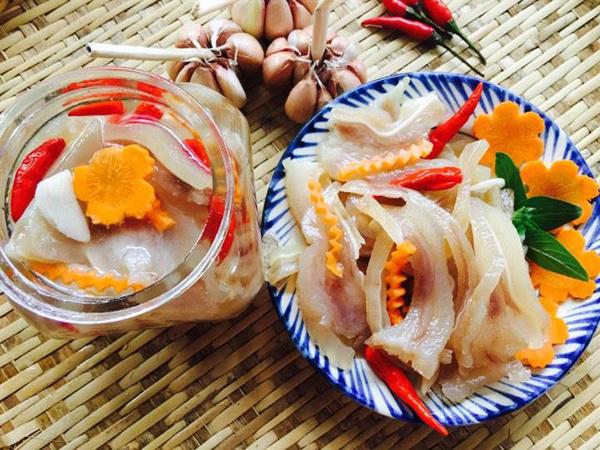 tai-heo-ngam-chua-ngot