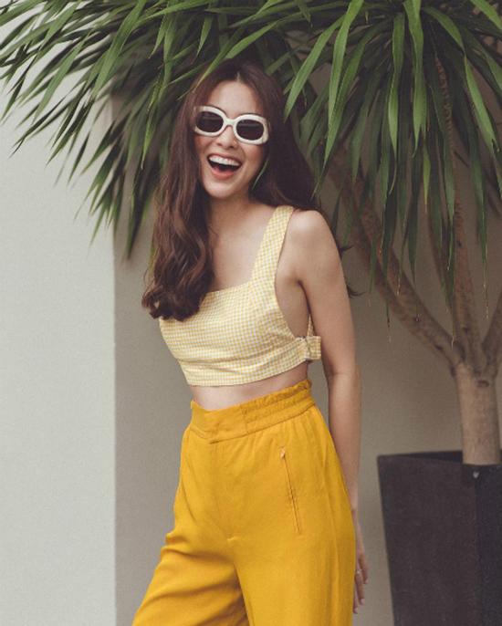 Mùa thu 2018, màu vàng nghệ, vàng ngả về tông nâu ấm áp hay sắc vàng tươi của nắng cũng hot không kém sắc vàng mù tạt.