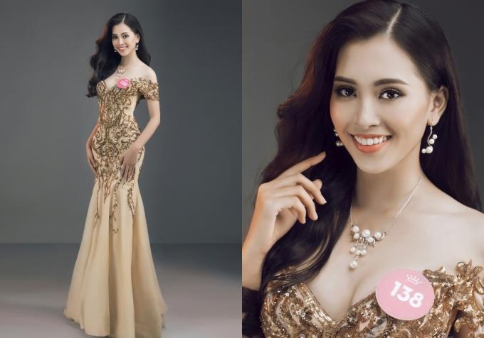 Nữ sinh diện váy dạ hội, khoe nhan sắc nổi bật.