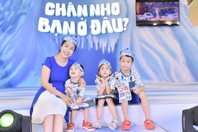 Ốc Thanh Vân đưa ba con đi chơi cuối tuần - 1