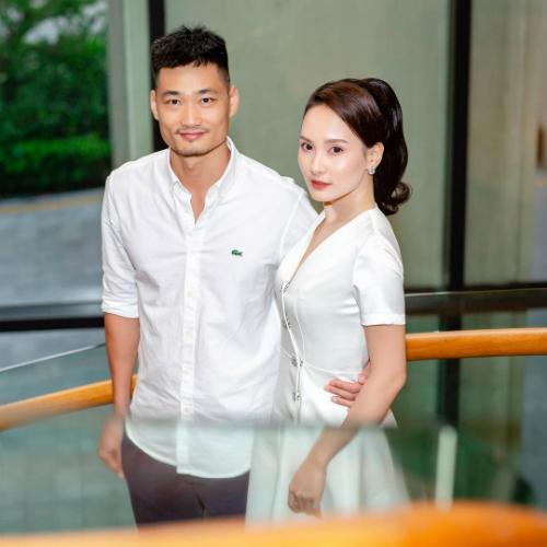 Diễn viên Bảo Thanh hạnh phúc sánh đôi cùngông xã.