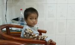Cậu bé Hà Giang ngủ ngoài đường xuất viện về nhà ân nhân