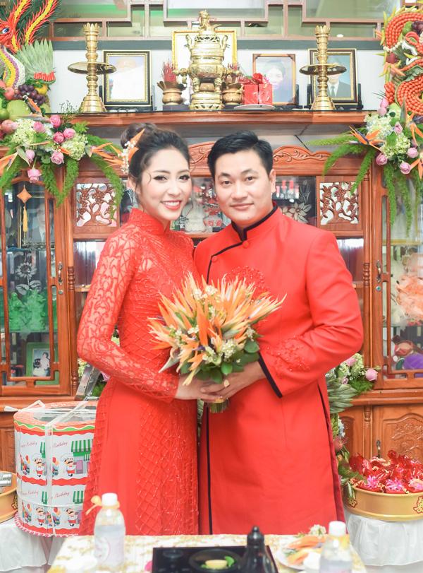 Vợ chồng Đặng Thu Thảo dự kiến tổ chức hôn lễ vào ngày 25/11 tại Cần Thơ và 26/11 tại An Giang. Sau khi kết hôn, Hoa hậu Đại dương sẽ về An Giang sống cùng chồng. Cô dự định vẫn lên TP HCM biểu diễn hoặc đóng phim nếu có chương trình hay kịch bản phù hợp.