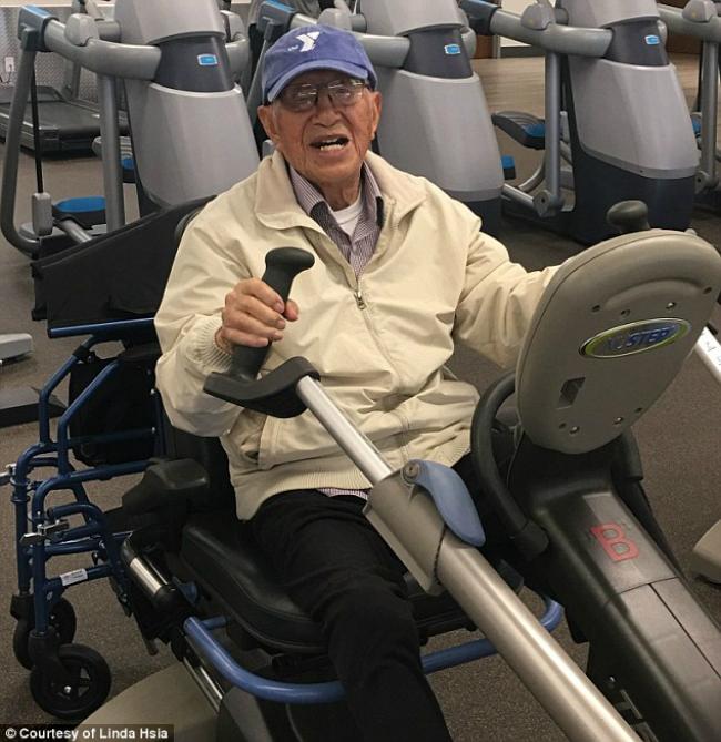 Bí quyết sống thọ của ông Henry Tseng là chăm vận động vàluôn lạc quan với cuộc đời.