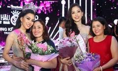 Hoa hậu Trần Tiểu Vy, Á hậu Phương Nga hạnh phúc trong vòng tay gia đình