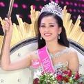 Hoa hậu Trần Tiểu Vy muốn gặp mẹ sau đăng quang