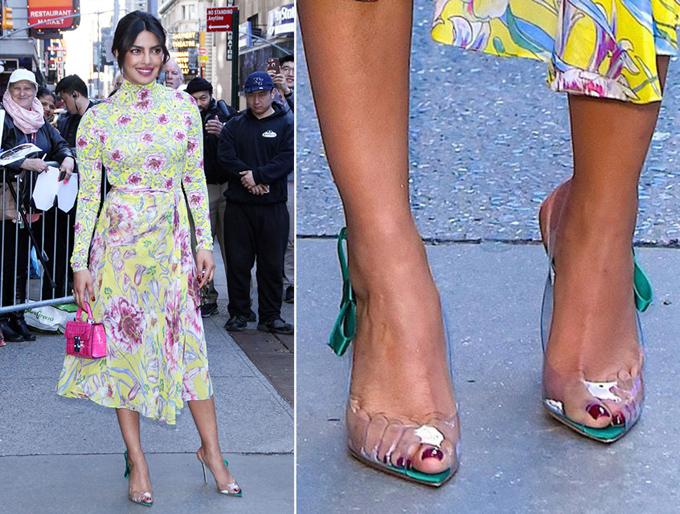 Để tránh gặp phải tình huống đó, Hoa hậu Thế giới 2000 Priyanka Chopra chọn thiết kế hở mũi, giúp phần ngón chân không bị bí.