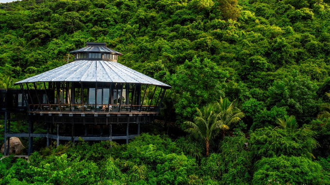 Mỗi biệt thự, hạng mục của công trình đều được thiết kế tinh tế, hài hòa với núi rừng, thiên nhiên nơi đây.