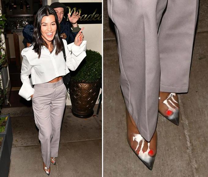 Tình trạng này còn xảy ra mạnh hơn khi ngôi sao truyền hình thực tế Kourtney Kardashian mang giày cao gót nhựa trong.