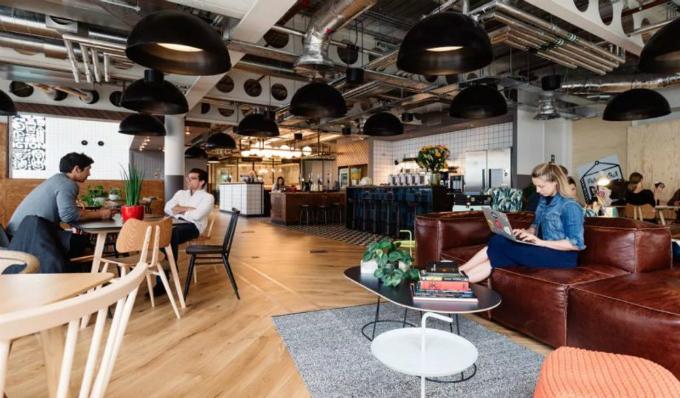 Co-working spaceđặc trưng của WeWork, startup vừa lên kế hoạch mở văn phòng chia sẻlớn nhất Việt Nam tại TP.HCM. Ảnh: WeWork.