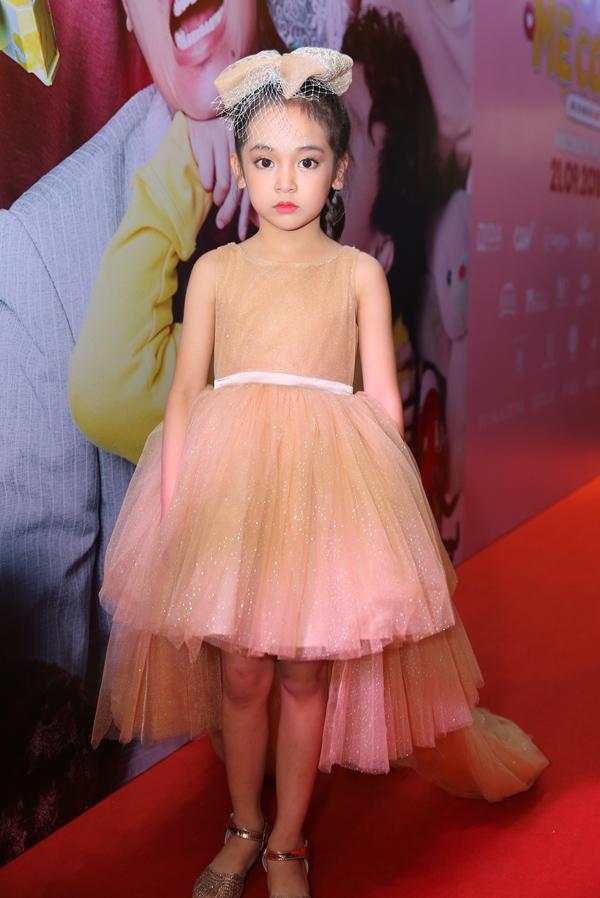 Không chỉ diễn hay, bé Chu Diệp Anh còn sở hữu ngoại hình rất xinh xắn, đáng yêu.