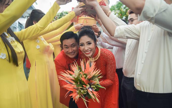 Hoa cưới của Đặng Thu Thảo cũng là hoa thiên điểu.