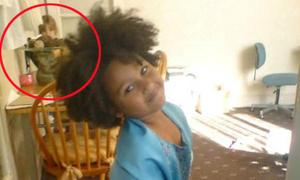 'Bé gái' xuất hiện trong bức ảnh được mẹ chụp ba năm trước khi chào đời