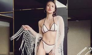 Yaya Trương Nhi diện bikini phô diễn đường cong