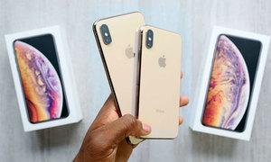 Mở hộp iPhone XS Max màu vàng trước ngày bán
