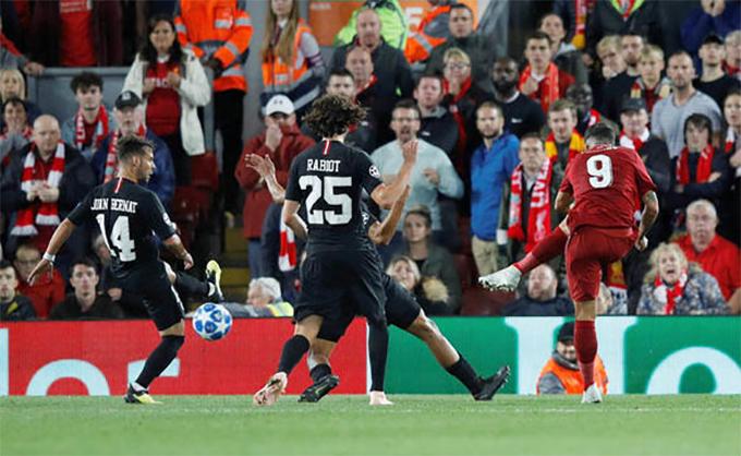 Phút 91, Firmino có pha đi bóng và dứt điểm quyết đoán từ góc hẹp ấn định chiến thắng 3-2 cho Liverpool.