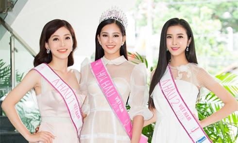 Hoa hậu Trần Tiểu Vy và các Á hậu bận rộn suốt hai ngày sau đăng quang