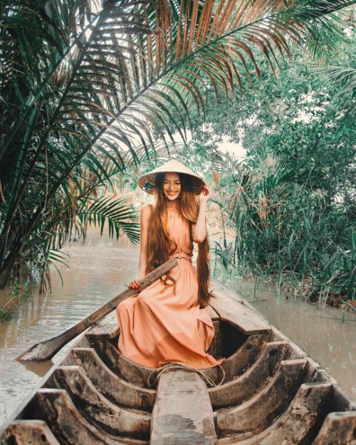Chuyến hồi hương đẹp như mơ của công chúa tóc mây gốc Việt