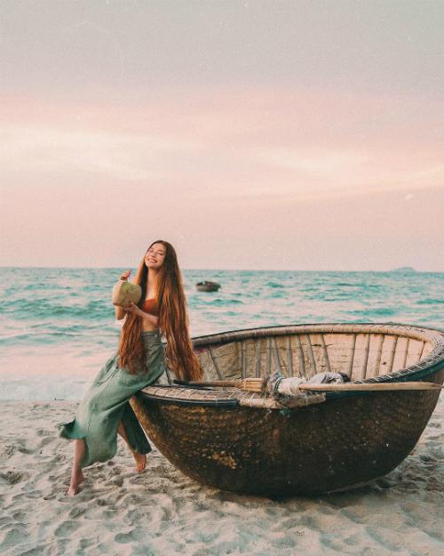 Chuyến hồi hương đẹp như mơ của công chúa tóc mây gốc Việt - 3