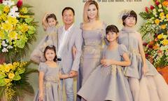 Vợ chồng Vũ Thu Phương dự sự kiện cùng 4 con gái