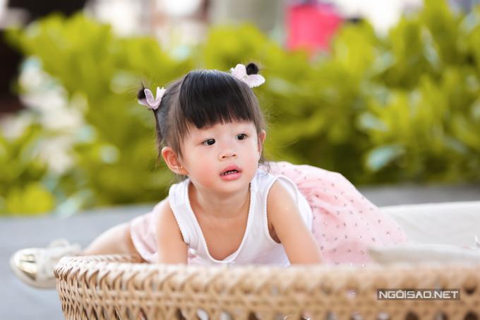 Á hậu Diễm Trang chơi đùa với con gái - 5
