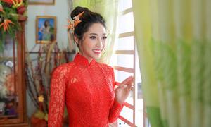 Áo dài ăn hỏi của Hoa hậu Đại dương Đặng Thu Thảo nặng 5 kg